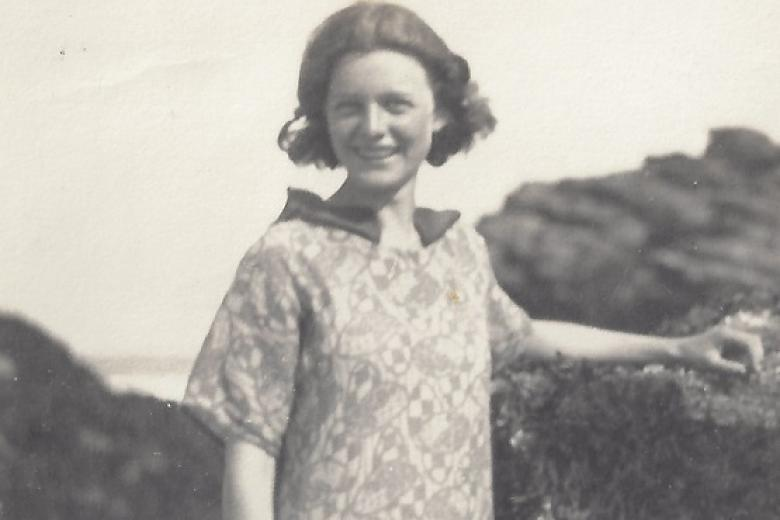 Detail of photograph, showing Kathleen Raine on Gwithian beach, Cornwall, 1924 (reproduced courtesy of Judith Rodden – archive reference: GCPP Raine 2)