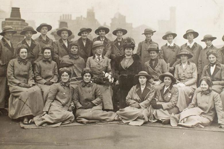 Girton and Newnham Unit of the Scottish Women's Hospitals about to embark on board ship at Liverpool, October 1915 (reproduced courtesy of the Royal College of Physicians and Surgeons of Glasgow [https://heritage.rcpsg.ac.uk/items/show/408] CC BY-NC-SA 3.