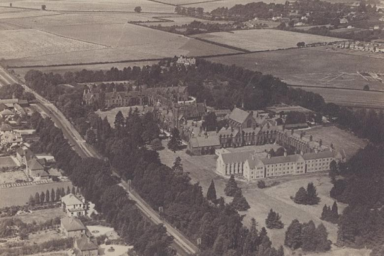 Aerial view of the College, taken by Pan-Aero Pictures, 1933 (archive reference: GCPH 3/18/5)